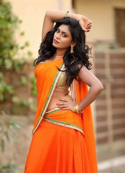 Saree Navel Priyanka Augustin Indian Actress
