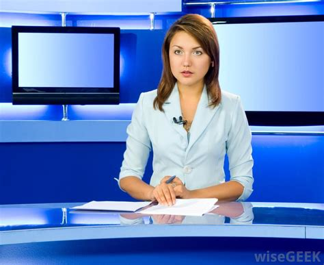 News Tv by What Does A Tv News Reporter Do With Pictures