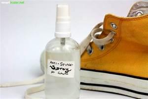 Stinkende Schuhe Backpulver : 8 effektive hausmittel gegen stinkende schuhe stinkende schuhe hausmittel und haus ~ A.2002-acura-tl-radio.info Haus und Dekorationen