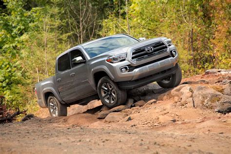 Review 2016 Toyota Tacoma by 2016 Toyota Tacoma Review Autoguide News