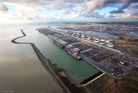 le port du havre le port du havre se pr 233 pare 224 l 232 re de l 233 olien offshore mer et marine