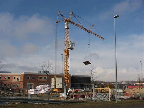 crane machine wikimedia commons
