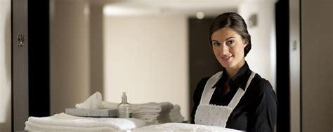 la femme de chambre argonienne chambres et suites de l 39 hôtel la magnaneraie hôtel