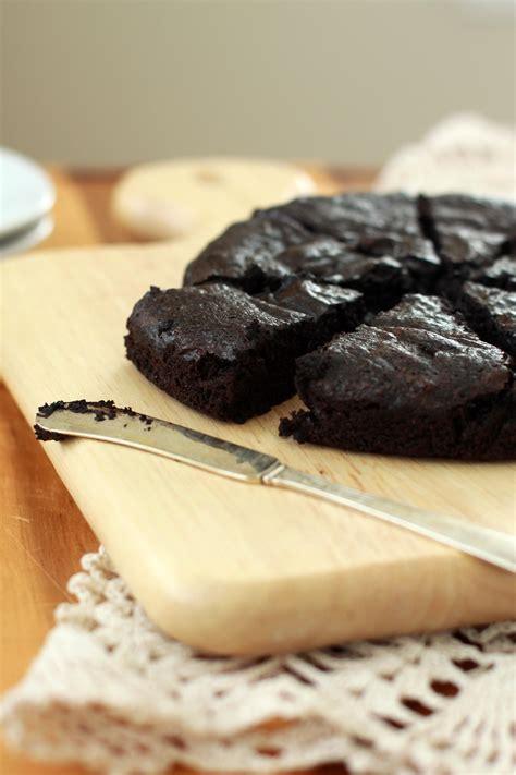 flourless dark chocolate cake espresso  cream