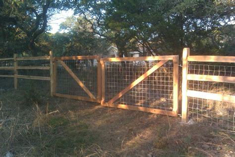 hog panel fencing  garden design ideas hog panel