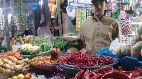 harga cabai  pasar pabaeng baeng makassar melonjak  penyebabnya tribun timur