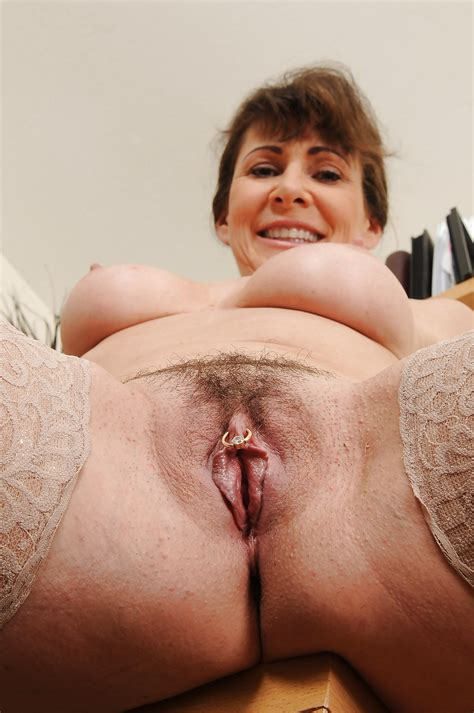 Amateur Mature Moms Pussy 16 Pics