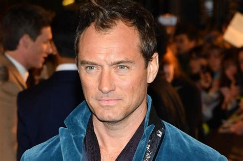 jude law peter wendy pan hook action captain play nanny disney affair age blood wiki worth his affairs york woody