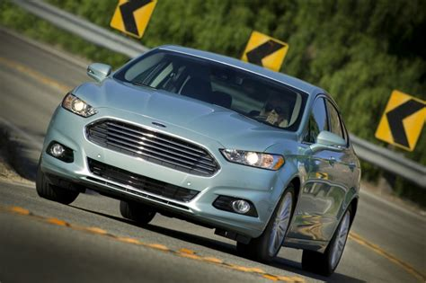 2014 Ford Fusion Hybrid Review, Ratings, Specs, Prices