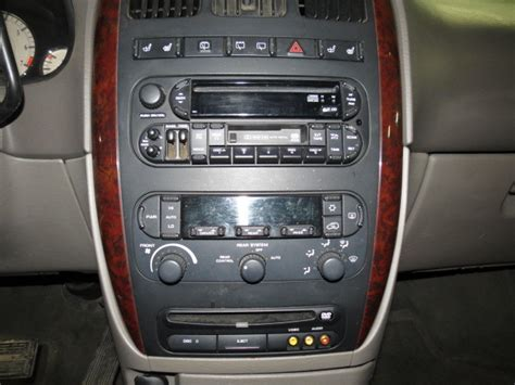 Chrysler Aftermarket Parts by 2003 Chrysler Town Country Cd Radio 2414317 638
