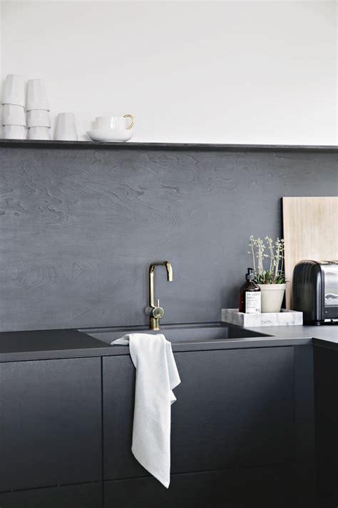 backsplash kitchen diy kitchen upgrade the low cost diy black backsplash