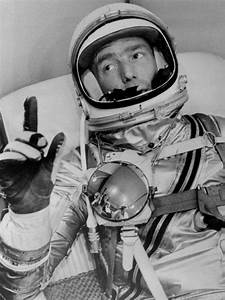 'Godspeed': Scott Carpenter, 2nd U.S. astronaut in orbit ...