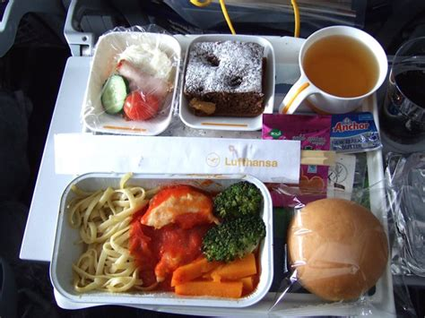 airplane food youll  served    airlines