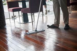 8 steps for drying hardwood floors certified restoration for How to dry wet wood floor