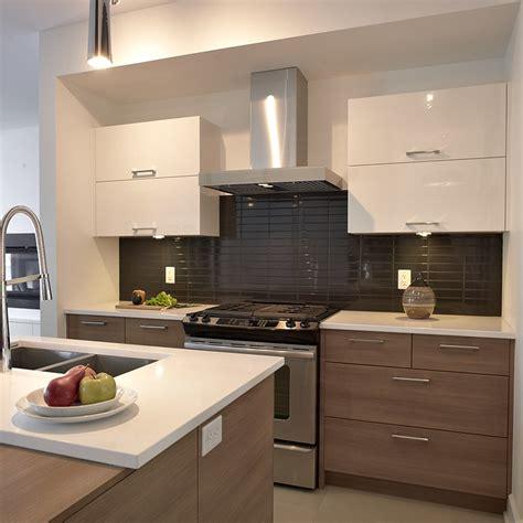 cuisine contemporain cuisine style contemporain avec tiroirs de mélamine et