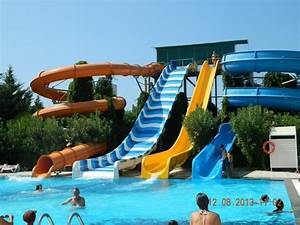 infos sur piscine de luxe avec toboggan arts et voyages With piscine couverte avec toboggan belgique