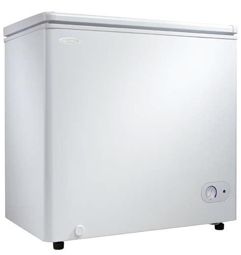 danby dcfawdb  cu ft chest freezer  foam insulated cabinet  lid  adjustable