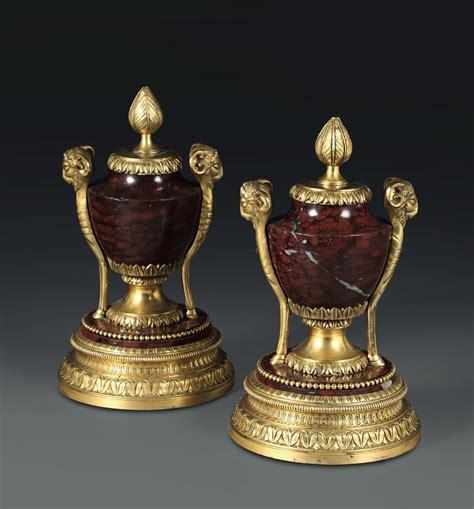 vasi marmo coppia di vasi in marmo rosso con ricca montatura in