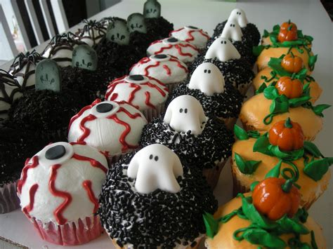 holloween cupcakes birthday cakes a sweet design s blog