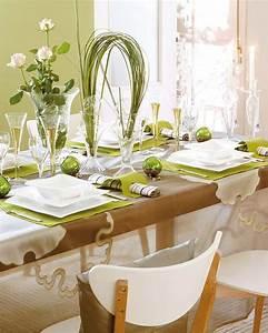 table de repas de noel 15 idees deco charmantes moderne With decorer son jardin avec des galets 14 25 idees deco pour optimiser son entree de maison