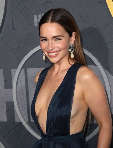 emilia clarke attends hbos official  emmy  party