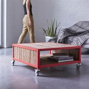 Couchtisch Metall Und Holz : couchtisch red 80 aus metall und recyceltem holz atelier tikamoon ~ Bigdaddyawards.com Haus und Dekorationen