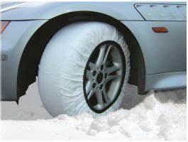 Chaussette A Neige : chaussettes neige isse solides et simples poser ~ Teatrodelosmanantiales.com Idées de Décoration