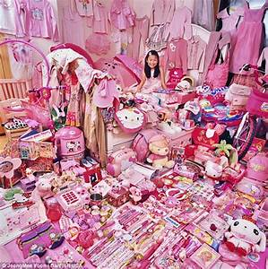 Colour clash: Children's all-pink or all-blue rooms show ...