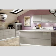 New Kitchen This Summer? 10% Off For All Season Ticket