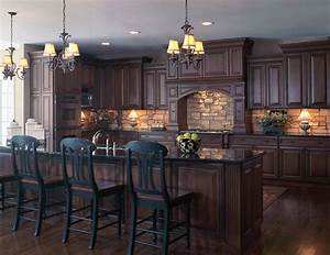 Dark kitchen cabinets with dark granite kitchens with for Stone backsplash ideas with dark cabinets