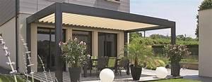 Pergola Avec Canisse : pergola avec terrasse un produit tr s design avec ses lames orientables en aluminium ~ Melissatoandfro.com Idées de Décoration