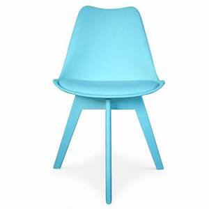Chaise Bleu Scandinave : chaises scandinave colors bleu lot de 2 pas cher scandinave deco ~ Teatrodelosmanantiales.com Idées de Décoration