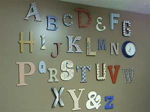 15 great crafts made with scrapbooking paper for Paper alphabet letters for wall