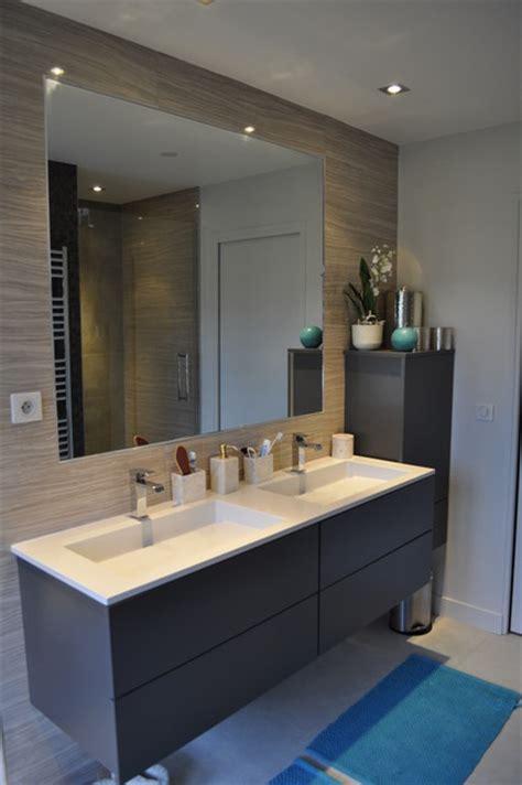 peinture placard cuisine maison familiale contemporaine salle de bains