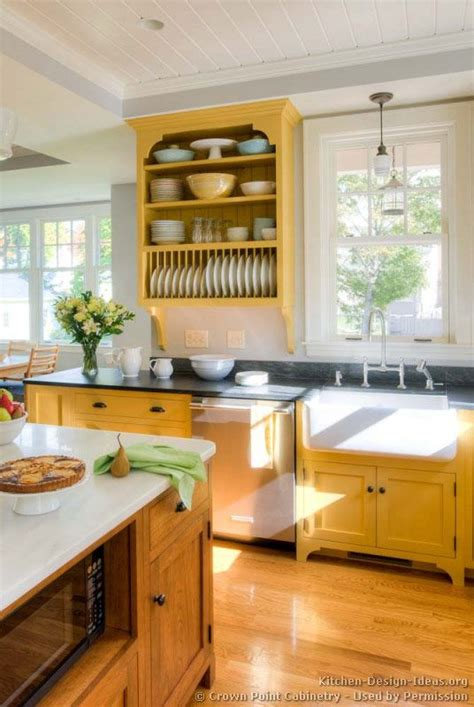 yellow country kitchen 114 best images about yellow kitchens on 1209
