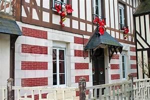 Haus Auf Französisch : feier weihnachtsschmuck an der fassade ofold franz sisch ~ Lizthompson.info Haus und Dekorationen