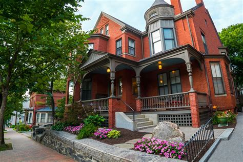 Houses : Sober Living Facility In Portland, Maine