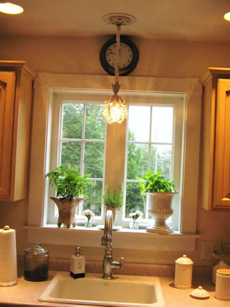 dessus de cuisine lumières au dessus éviers de cuisine idées de décoration