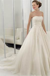 simple organza wedding dresses for simple but very elegant With simple but elegant wedding dresses
