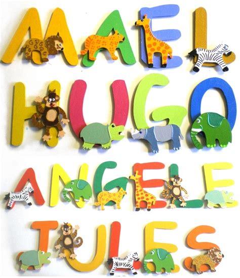 prenom sur porte chambre lettres bois animaux jungle billes de clowns