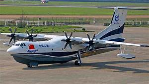 China's amphibious aircraft AG600 makes first glide test ...