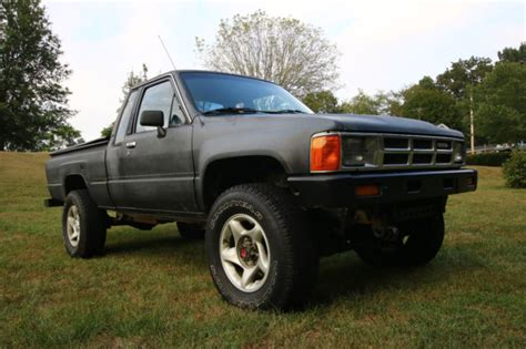toyota pickup turbo diesel  extended cab truck