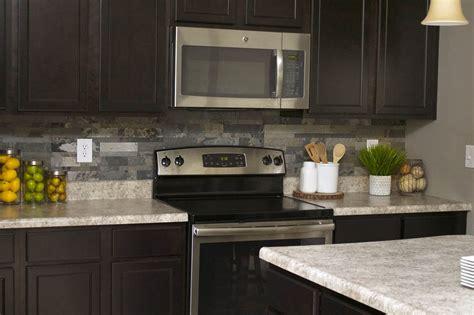 Backsplash That Looks Like Brick : Faux Stone Kitchen Backsplash