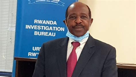 'Viesnīcas Ruandā' patieso varoni apsūdz terorismā - DELFI