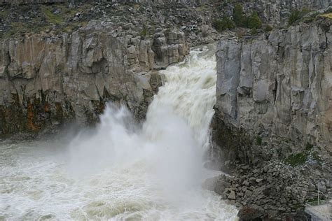 Iru Helps Win Flows For Scenic Twin Falls Waterfall