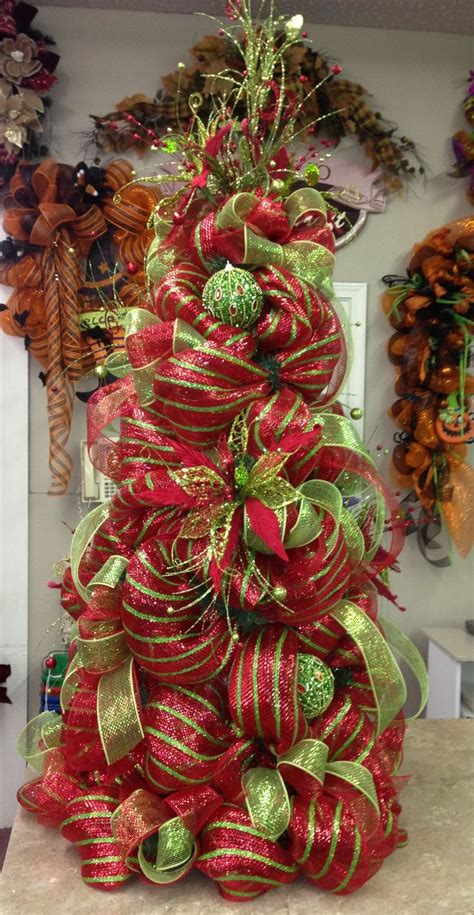 how to decorate a tree with mesh ribbon 25 best ideas about mesh tree on tree bows deco mesh