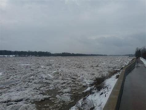 Pļaviņu novada vadība: Lai arī ledus krāvumi vēl ir, plūdu ...