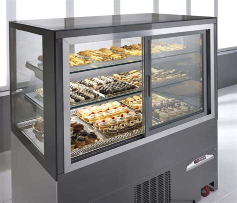 ciam tortuga display case pastry deli frozen heated