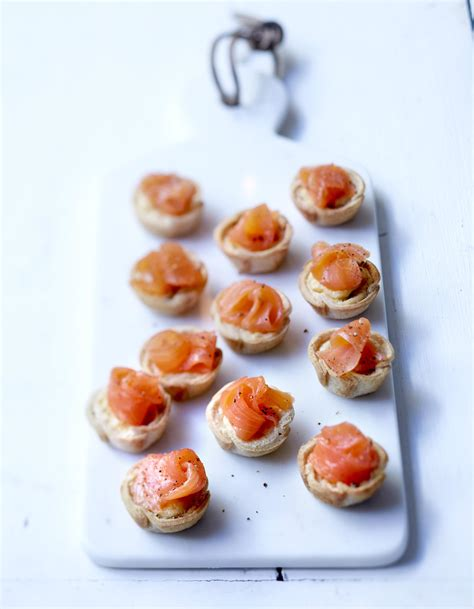 saumon boursin cuisine cup saumon et boursin au poivre pour 6 personnes