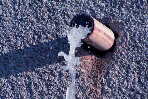 burst water pipe   house tcworksorg